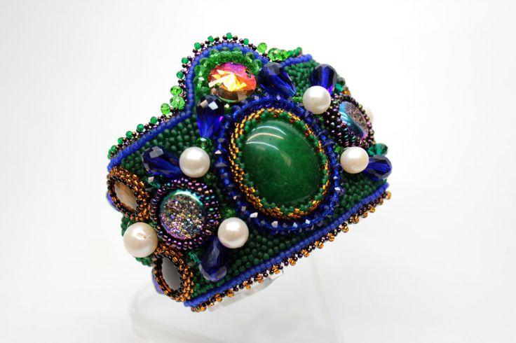 Bead embroidered bracelet, beadwork cuff, Bead Embroidery Cuff, beaded bracelet, Indian style