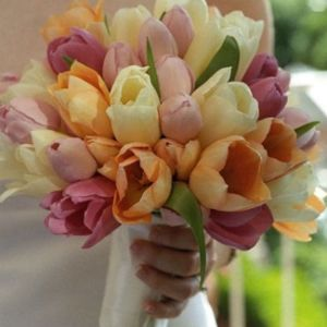 Букет невесты весна