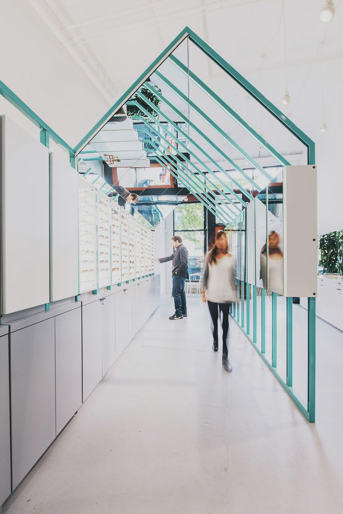 Eye Eye Care and Clinic / Best Practice #Architecture #shop #interior #steelframe #mirror