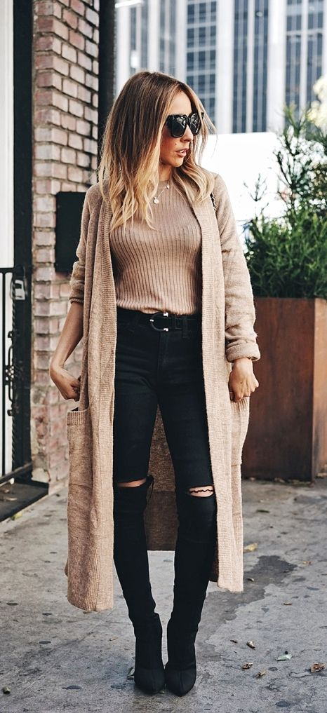 Casual cozy fall outfit with long cardigan