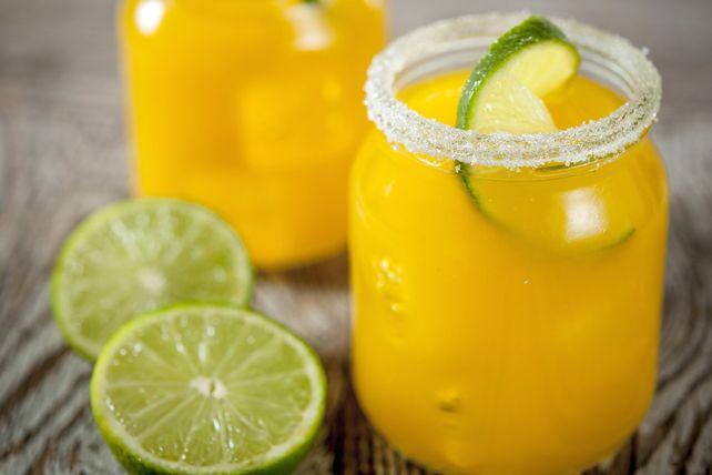 Dieser süße und zitrische Cocktail hat einen sommerlichen Anziehungspunkt – egal zu welcher Zeit …