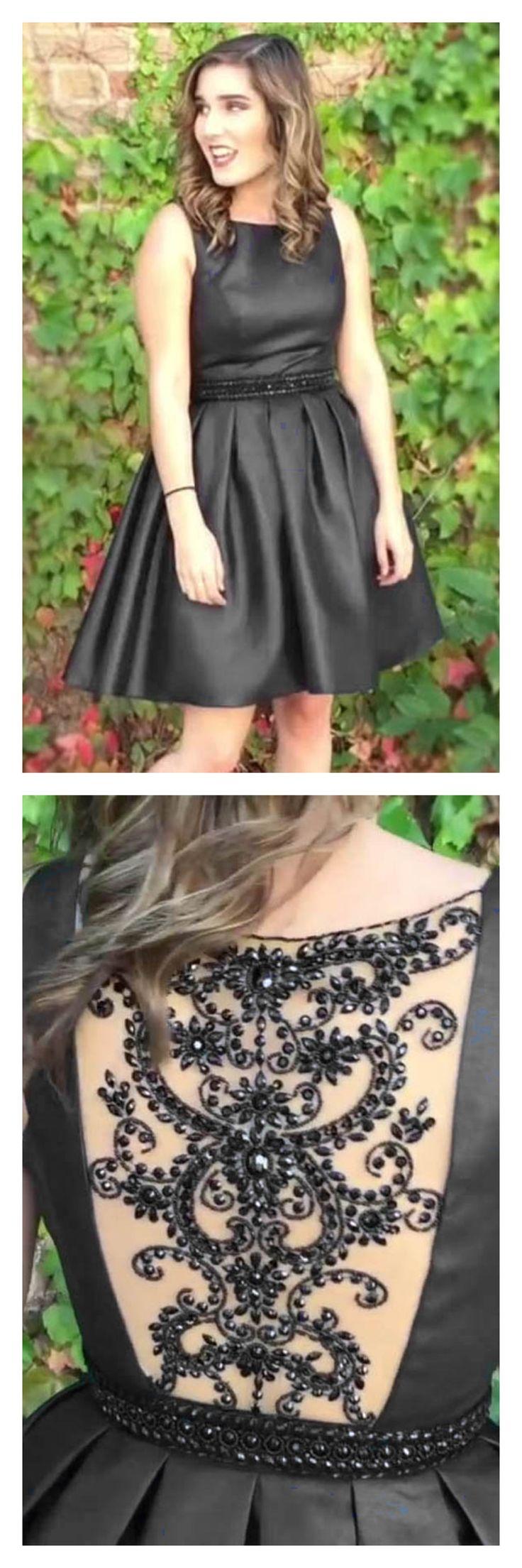Vestido bordado en espalda