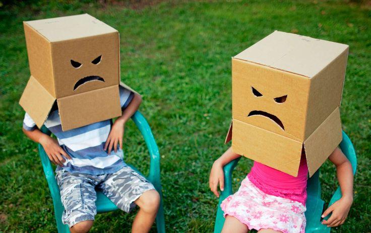 """Det vanligaste felet som vuxna gör med """"bråkiga"""" barn är att skälla på dem, enligt psykologen Bo Hejlskov Elvén. Det gäller att utgå ifrån barnets förmåga – inte att visa vem det är som bestämmer."""