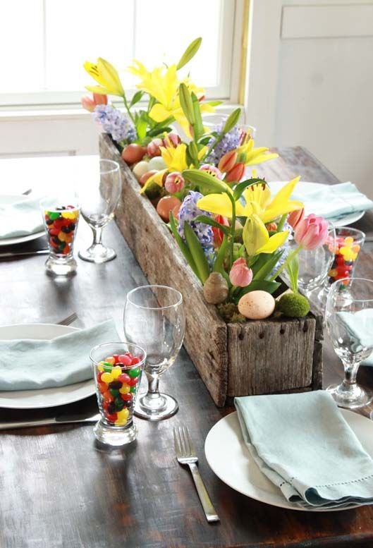 Love the cups of jelly beans and bring spring flowers for spring #tablescapes #easter