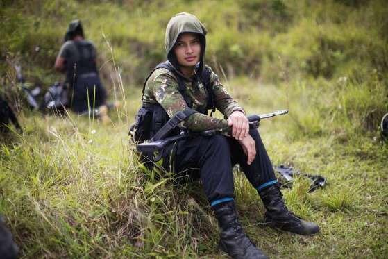 En el calendario de la paz de Colombia, el 1 de marzo está marcado como el día en que las FARC empiezan a entregar las armas. Sobre el terreno, la misión de la ONU desplegada en el país comienza la primera fase de este proceso: inventariar los fusiles de asalto. Es decir, funcionarios internacionales van a registrar al combatiente y al tipo de armamento que porta con un código de ba...