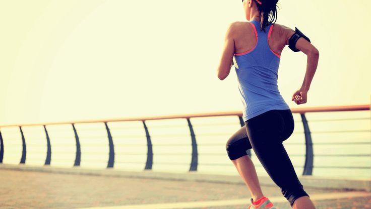 Start altid med en daglig morgenløbetur på cirka 2 kilometer. Når du så enden er hjemme eller færdig går du videre til armstrækkere
