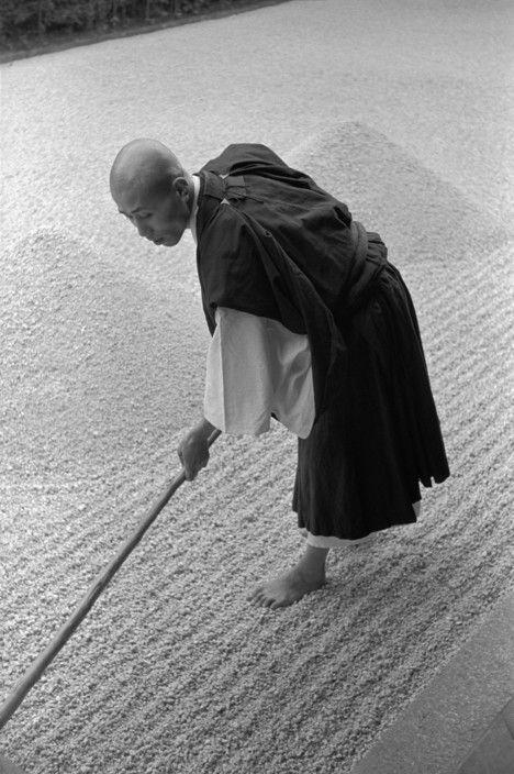 Zen budhism, Kyoto, Japan | by René Burri, Magnum Photos -