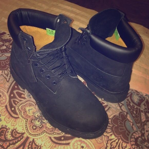 all black timberland boot never was sold, size 9W in men's . 9 out of 10 condition only been worn once Timberland Shoes Winter & Rain Boots