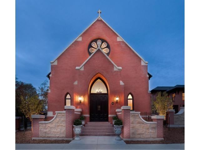 53 best images about homes made from old churches on pinterest the church a house and house - Homes in old churches ...