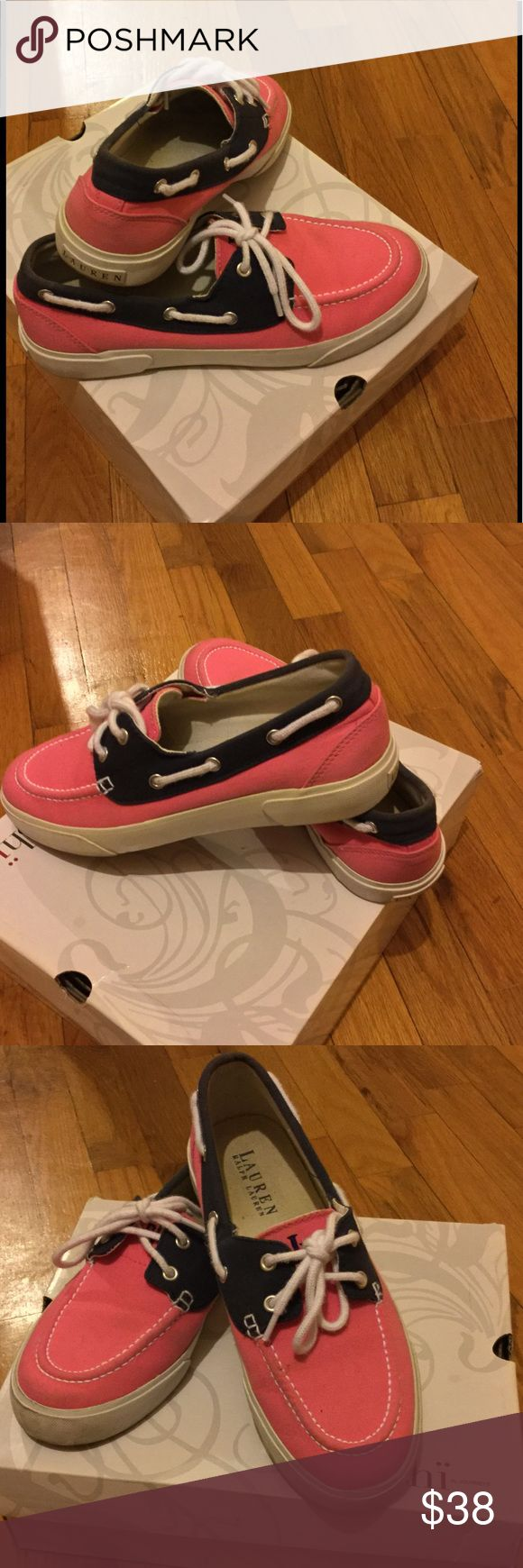 Ralph Lauren boat shoes Hardly worn, Women's boat shoes! Very comfortable and stylish. Ralph Lauren Shoes Flats & Loafers