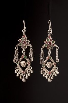 Antique silver earrings Antique silver earrings with colored glass  Origin: Himalaya Materials: Silver