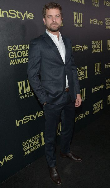 Joshua Jackson Photos - Actor Joshua Jackson attends FIJI Water At The HFPA And InStyle Celebration of Miss Golden Globe 2016 at Ysabel on November 17, 2015 in West Hollywood, California. - FIJI Water at the HFPA and InStyle Celebration of Miss Golden Globe 2016