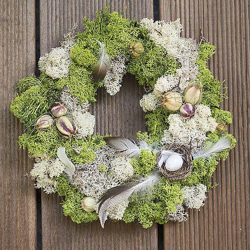 Moss Easter wreath, feathers, nest  https://www.facebook.com/kvetinovyobchodik/