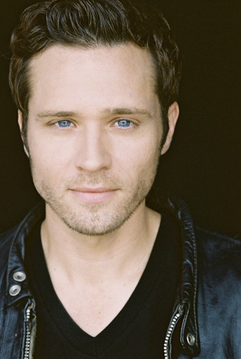 """Seamus Dever talks """"Castle"""" Season 5 in a new interview. How will his character's partnership with Esposito be affected after the events in """"Always""""? Will Ryan and Jenny be starting a family? And which of the boys will be finding out about Castle and Beckett first? http://www.examiner.com/article/seamus-dever-talks-castle-season-5-new-interview"""