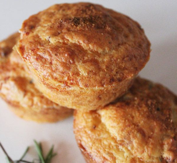 Bacon, Rosemary & Cheddar Muffins - Bacon is such a great addition to a savory dish for its delicious smoky flavor.  This recipe is easy and quick and when that muffin comes out the oven, steamy hot, with great aroma in the air, one will not resist to have a whole batch of these!