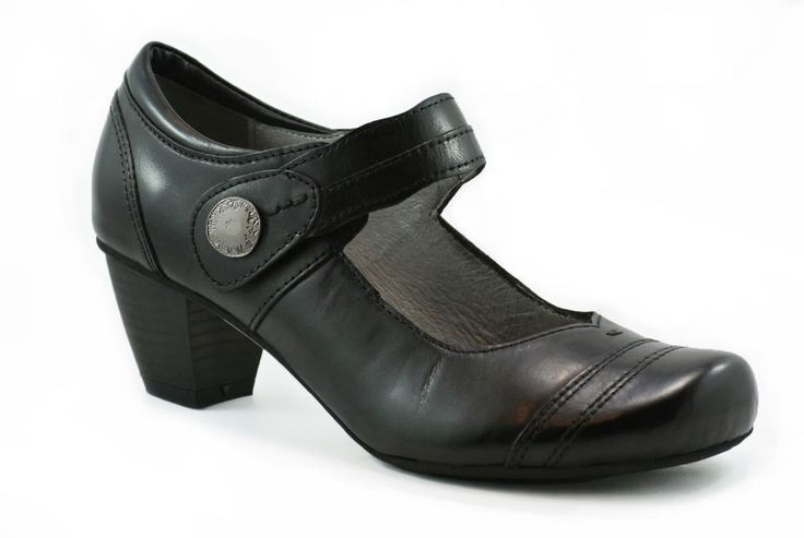 Josef Seibel comfort lets you wear this one from work to the evening event.