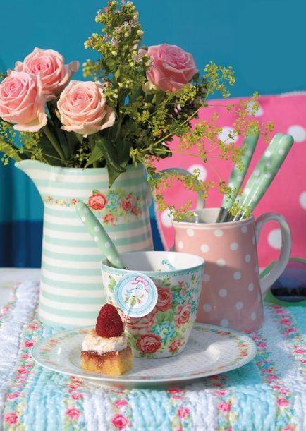 flowers, tea and sweets!