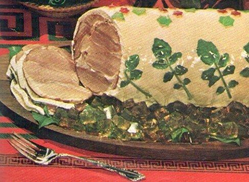 Isn't this just insult upon injury for the poor pig? The Noel Glazed Ham | 20 Truly Horrifying Vintage Holiday Recipes