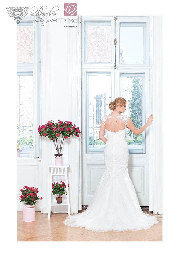 #bridalhair #bridalmakeup #bridaldress #bride