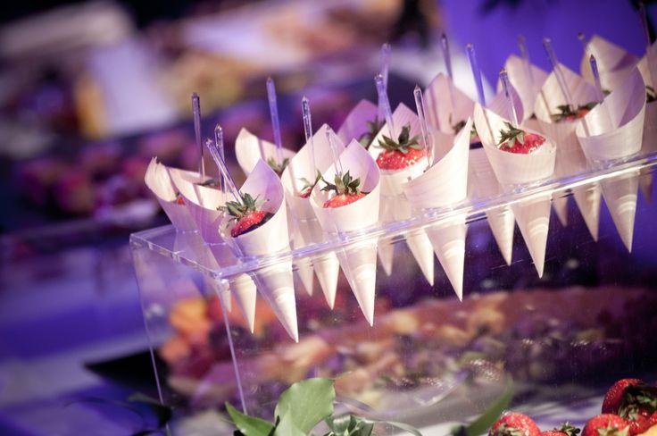 porta #frutta con #fragole ricoperte di #cioccolato #fondente