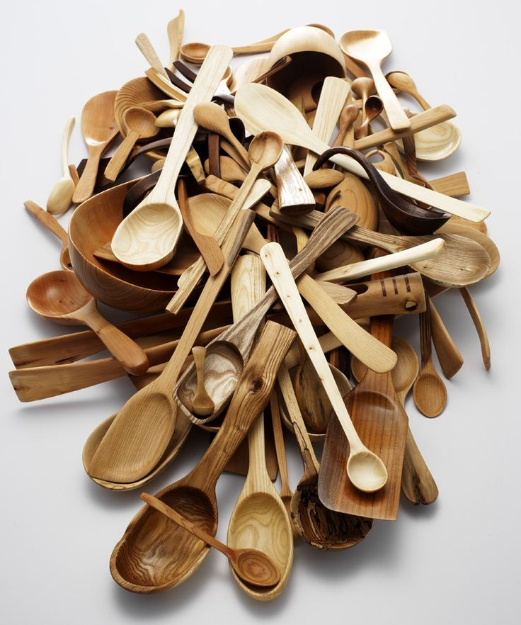 Wooden Spoons.: Carvings Spoons, Hands Carvings, Wooden Kitchens, Wood Spoons, Kitchens Utensils, Wooden Utensils, Nic Webb, Carvings Wooden, Wooden Spoons