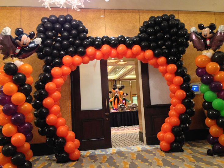 Halloween balloon decoration mickey mouse balloon arch for Arch balloon decoration
