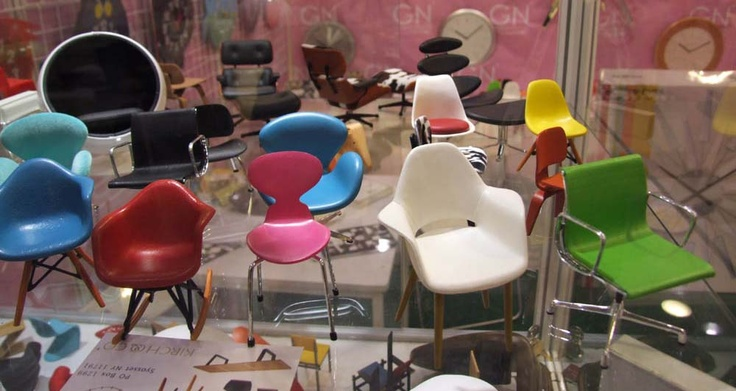 Mid century modern miniature toy chairs charmed life for Eames meubles
