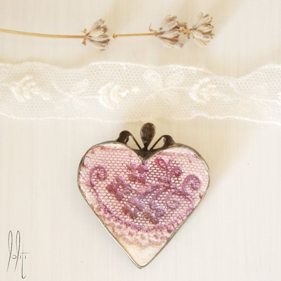 elegant everyday brooch, heart shape, delicate lace vintage look, soldered, rustic pink and white decor, mixed media