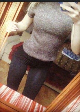 Kup mój przedmiot na #vintedpl http://www.vinted.pl/damska-odziez/swetry-z-golfem/11586722-krotki-sweterek-z-golfem-krotki-rekaw