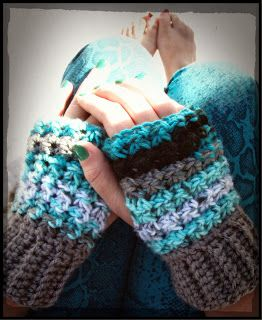 This Housewife Life...: Trinity Stitch Wristers ~ FREE PATTERN