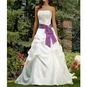 de mooiste paarse trouwjurken en bruidsmode bekijken