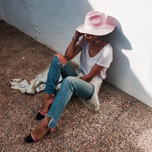 pink hat | women's fashion | pointed toe| ripped jeans | lazy look