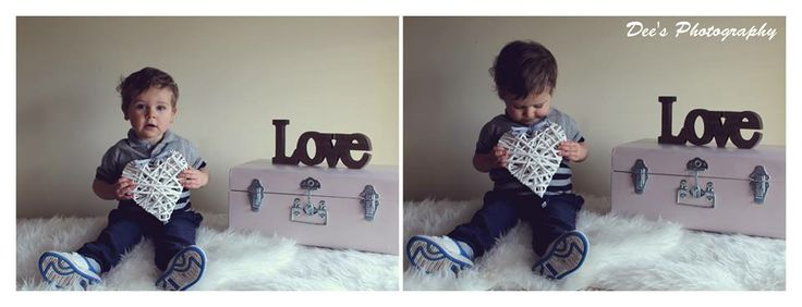 Gorgeous out take from a valentines mini shoot with the beautiful James, I love how he's holding the little heart <3 #valentines #minishoot #kid #child #photography #love #heart #suitcase #vintage #fluffy #kidsphotography #ireland