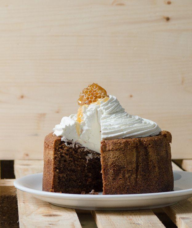 Κέικ μελιού με καρύδια