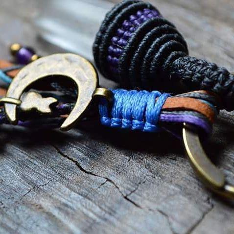 🎆 Crystal point keychain 🎆    #macrame #macrameknots  #macramejewelry #keychain #macramekeychain #crystalpoint #indigomacrame #accessories #macrameaccessories