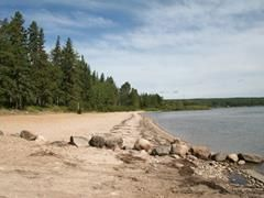 9 Beachside campgrounds in Alberta