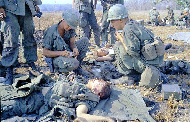 U.S. Marines in Vietnam, 1965: 30 Amazing Color