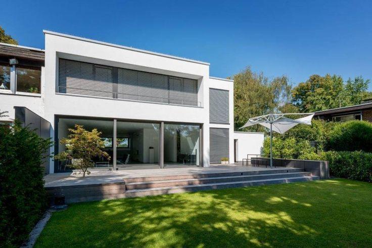 Haus C: minimalistischer Garten von K6architekten