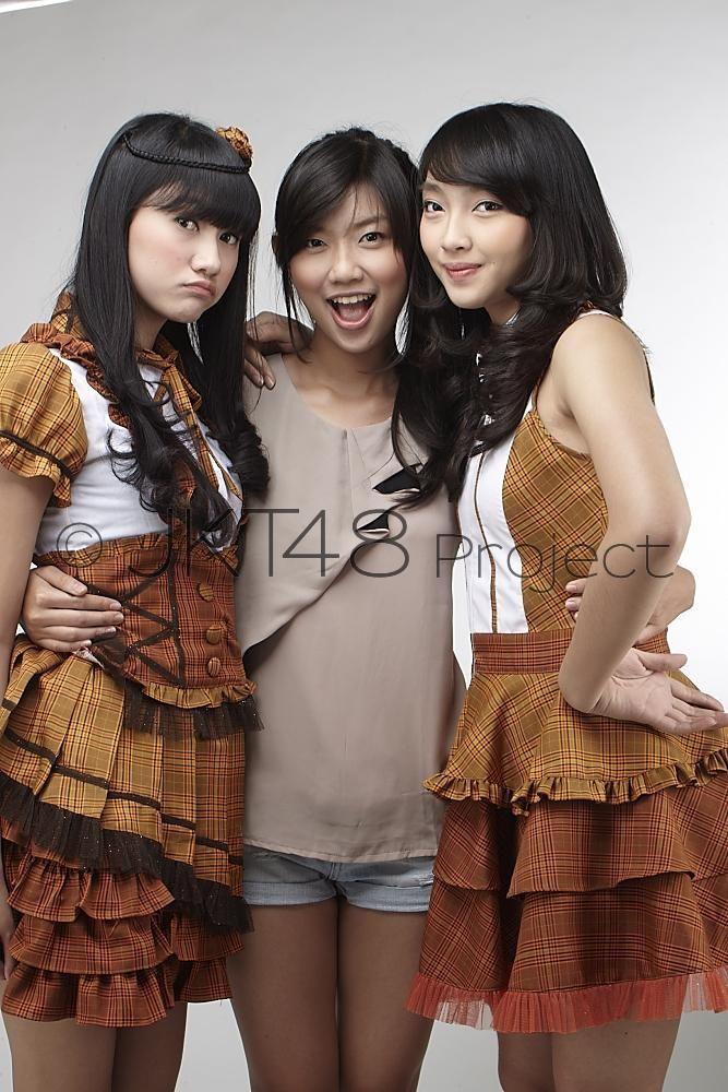 Saktia Oktapyani, Jennifer Hanna, Lidya Maulida Djuhandar #JKT48 #AKB48