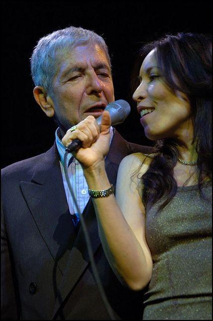 Leonard Cohen & Anjani Montage duet. April 29, 2007.New York at Joe's Pub.