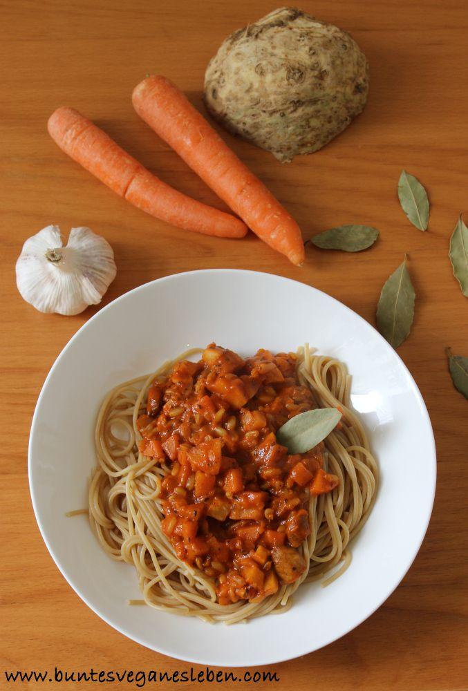 Gemüsebolognese mit kamut || Vegetable Bolognese with kamut - recipe in German, with translator