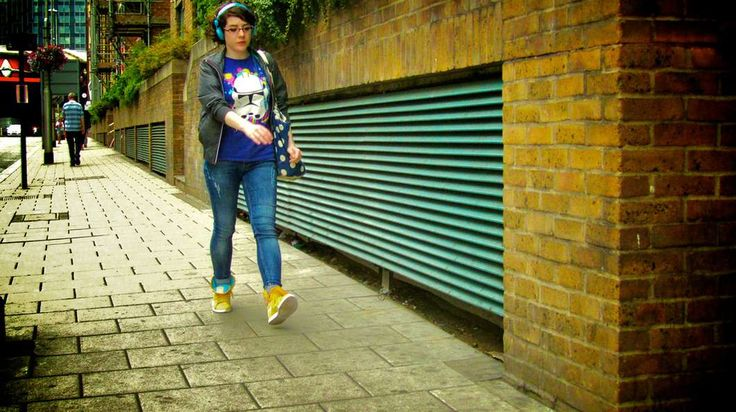 One Llama's new app aims to make walking down the street with headphones safer Photo: Kuma Chan