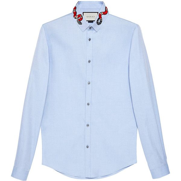 Gucci Oxford Duke shirt with snake ($496) ❤ liked on Polyvore featuring men's fashion, men's clothing, men's shirts, men's casual shirts, blue, mens curved hem t shirt, gucci mens shirts, mens cotton oxford shirts, mens blue oxford shirt and mens blue shirt