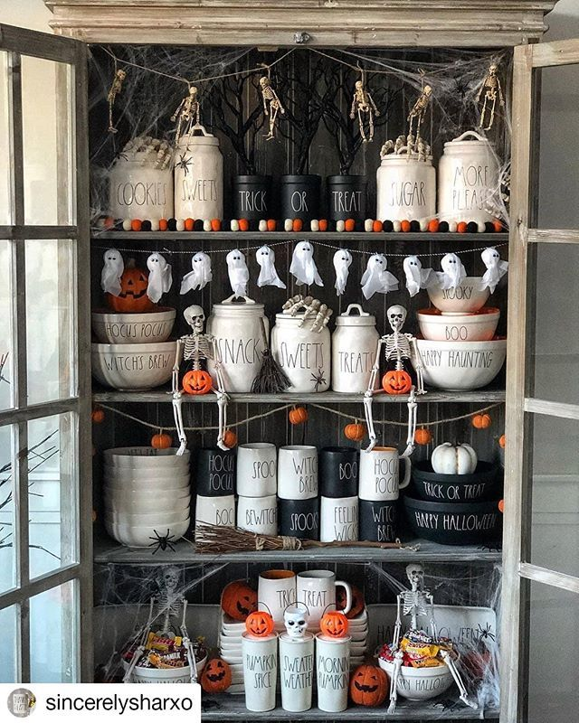 Halloween In July Yes Please With Halloween Starting To Circulate I Saw It Fitting To Post S Diy Halloween Decorations Halloween Home Decor Halloween House