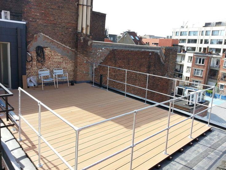 Hekwerk dakterras met aluminium steigerbuizen