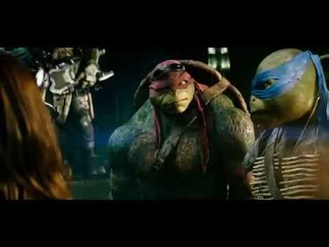 TMNT (2014) Clip: April O'Neil meets the turtles - I love them!