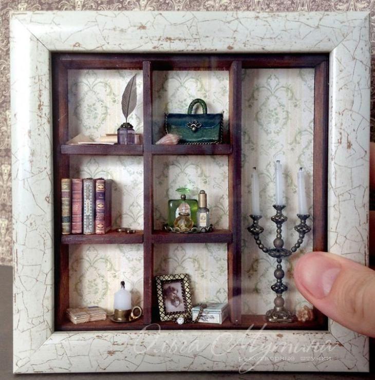 Многие из нас обожают рассматривать миниатюрные дома и маленькие квартирки, которые легко могут поместиться в кармане пальто. Ольга Мутина, художница и декоратор из Чебоксар, сделала из своего хобби п...
