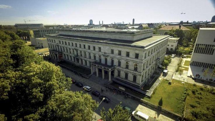 https://www.zdf.de/assets/schweres-erbe-der-ehemalige-fuehrerbau-in-muenchen-in-dem-100~768x432?cb=1514384281173