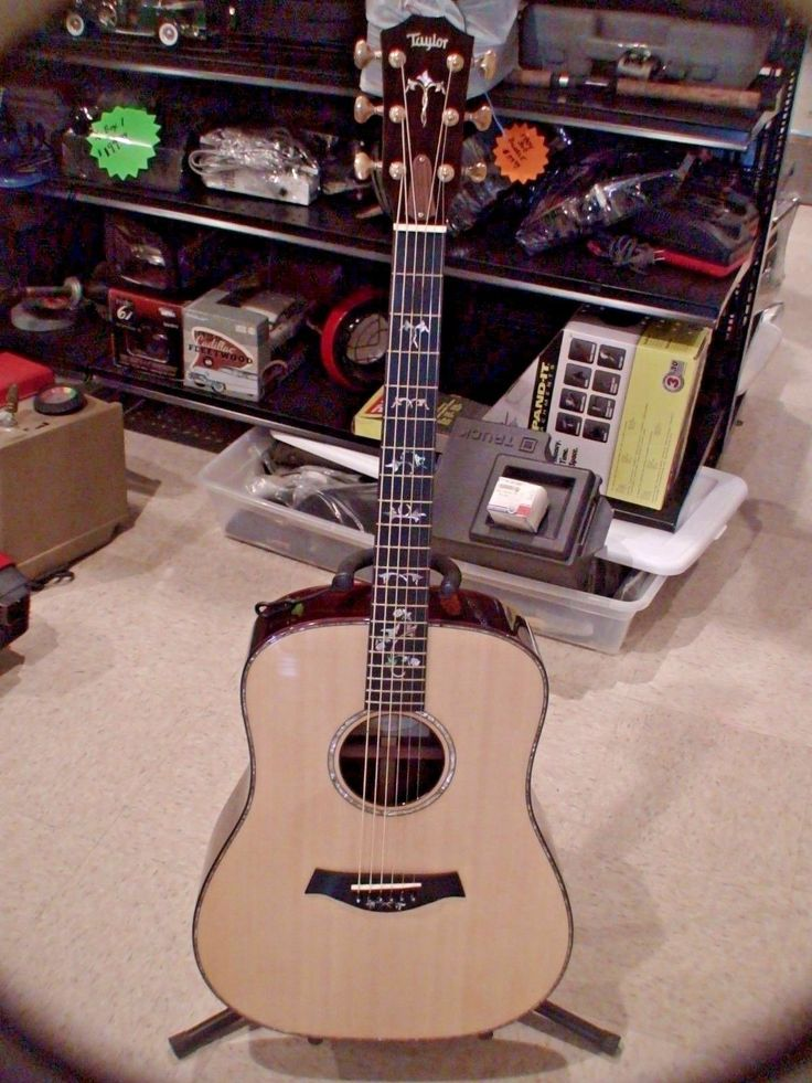 #guitar Taylor 910 Guitar with case please retweet