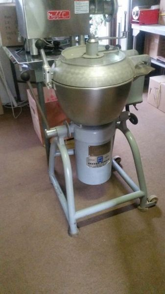 I have a used 25 litre Stephan Bowl Cutter for sale. 3 phase AND 3 SPEED GEARBOX.The unit is in excellent condition.Contact me for details.John 074 942 1380